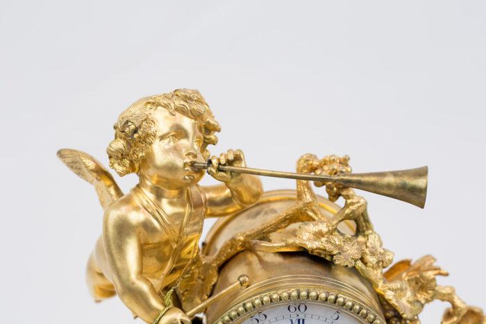 Horloge style Louis XVI bronze ange