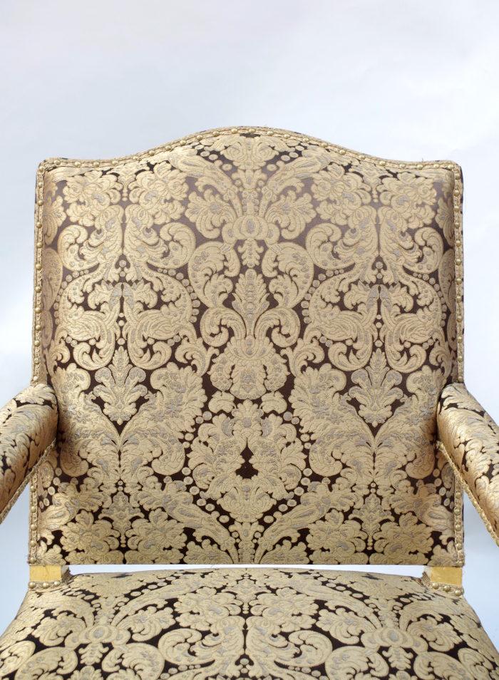 Paire fauteuils régence doré dossier