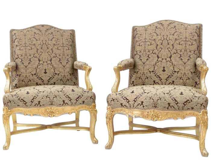 fauteuils regence bois dore garniture or marron