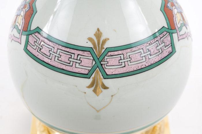 Lampe néogothique panse