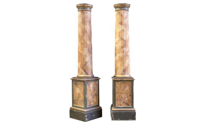 colonnes bois marbre peint