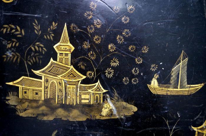 table abattant laque noire pagode detail