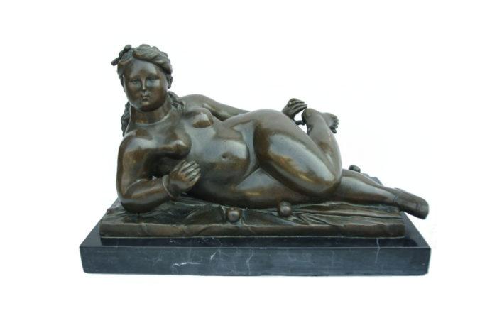 botero femme nue sculpture