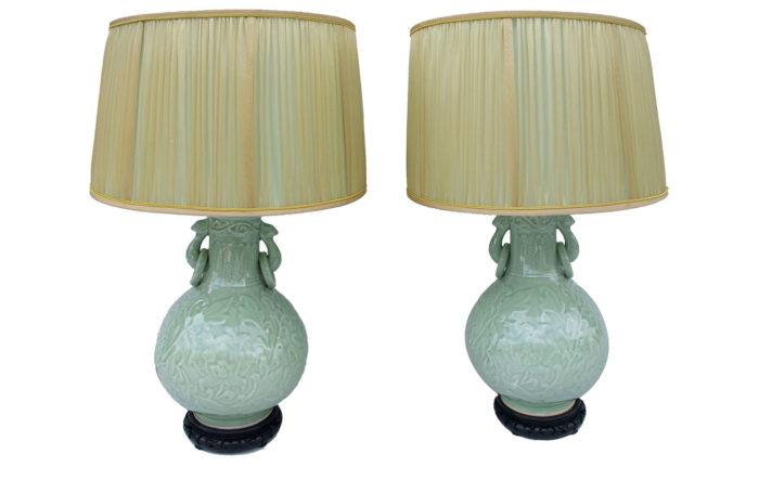 lampes céladon décor relief