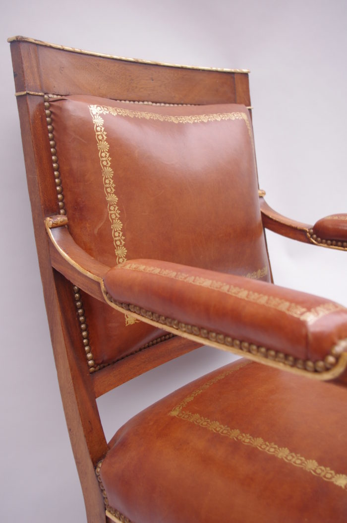 fauteuil empire cuir acajou