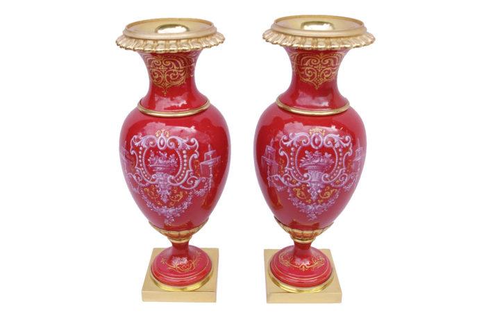 petits vases porcelaine rouge