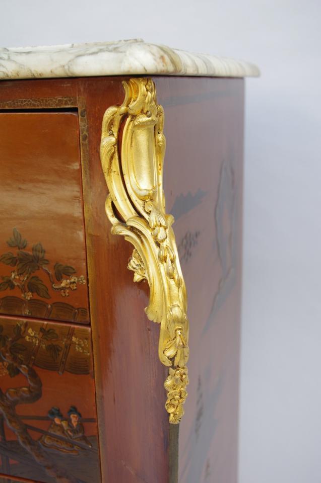 commode chinoisante bronze doré