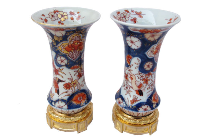 small imari porcelain vases