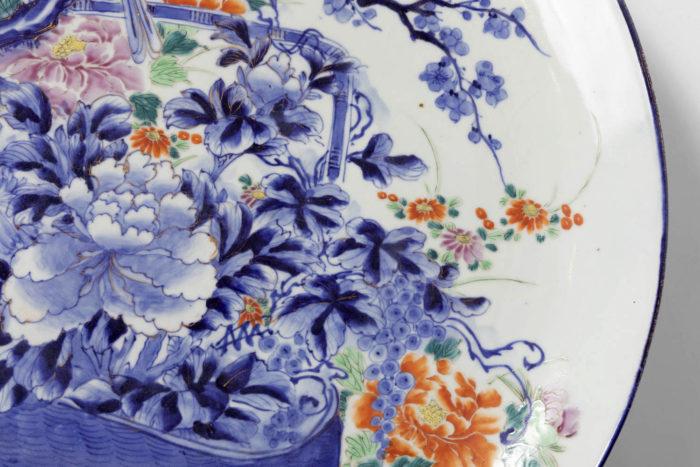 plat porcelaine blanc bleu fleurs