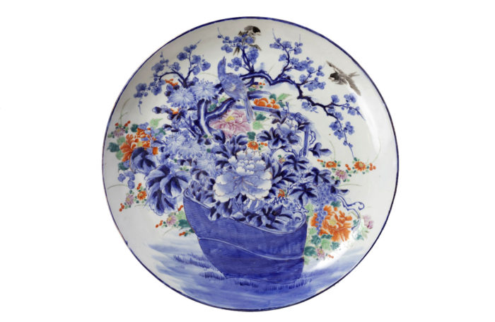 flowery japanese porcelaine plate