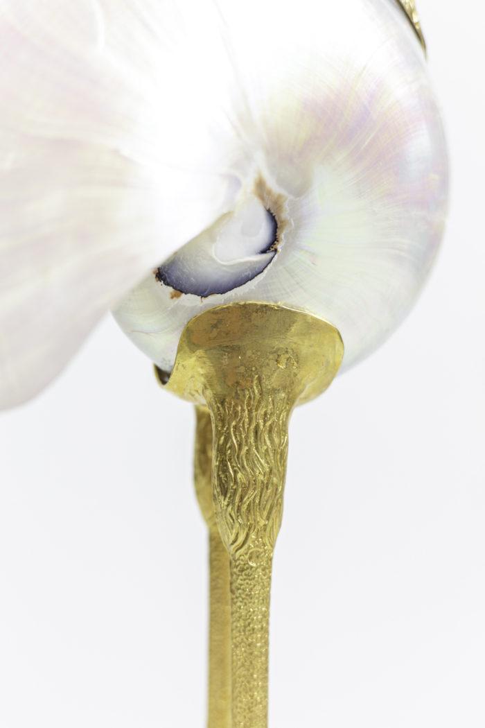sculpture oiseau pattes laiton doré coquillage