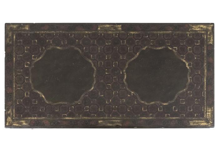 table basse chinoisante plateau doré