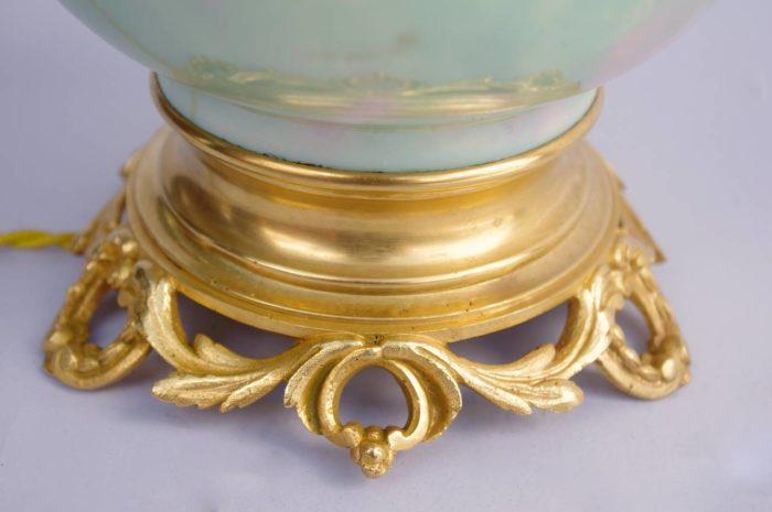 lampe celadon porcelaine irisee base bronze dore