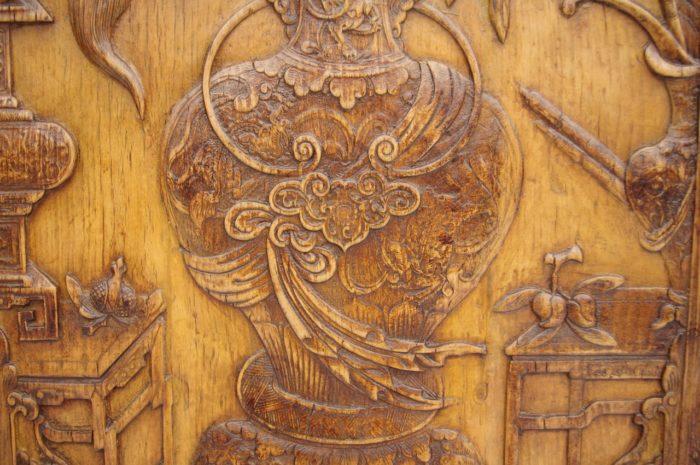 paire bas relief asiatiques bois detail