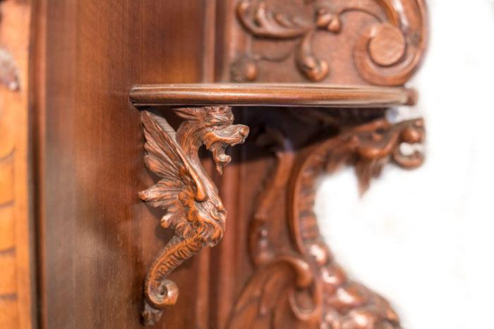 buffet deux corps henri II renaissance bas detail sculpture dragon