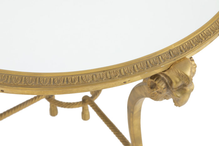 bouts-canape- style-directoire-bronze-detail