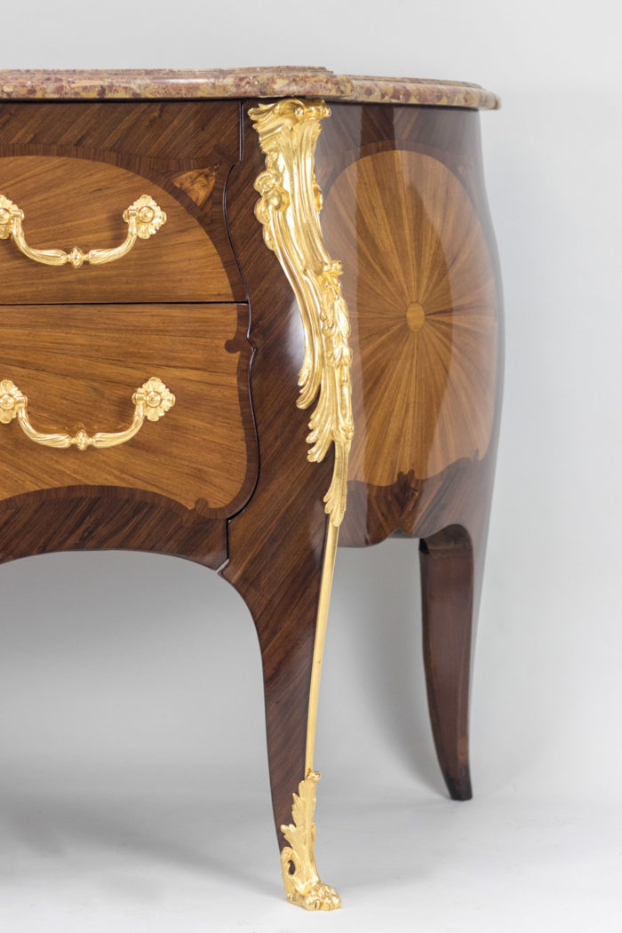 commode louis xv côté henry dasson