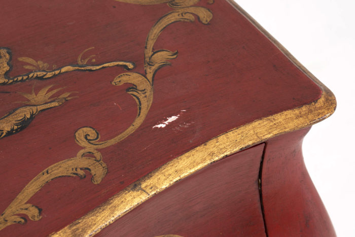 commode rouge detail manque