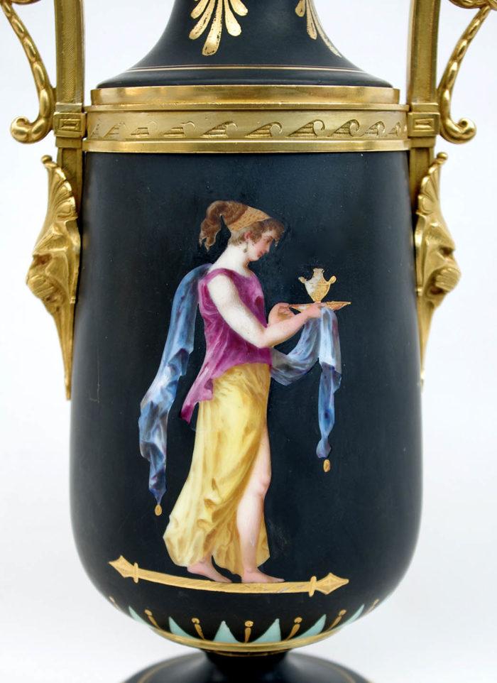lampe porcelaine noire decor neoclassique