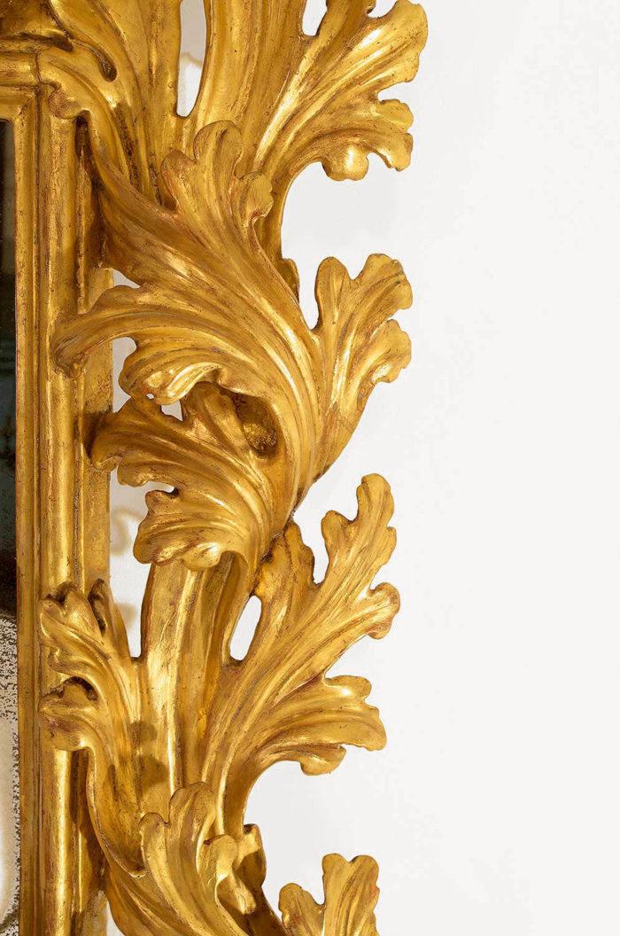 miroir-bois-doré-feuilles-d'acanthes