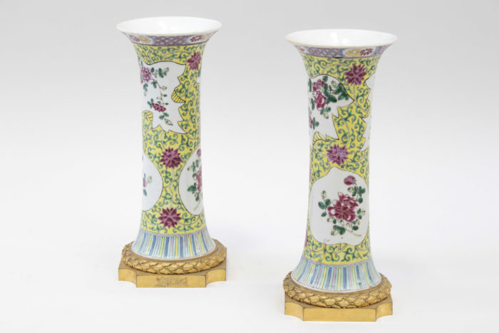 vases cornets porcelaine famille rose fond jaune