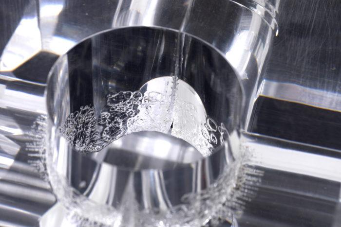 lampe cube plexiglas detail chaleur