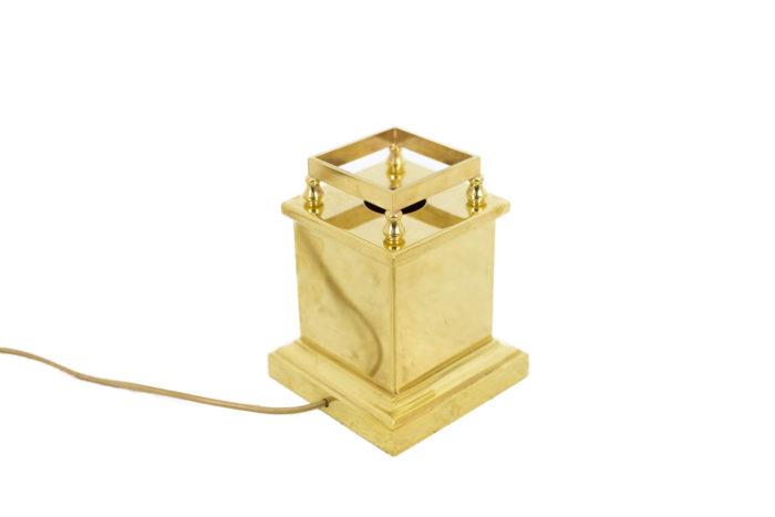 lampe obélisque lucite base laiton doré