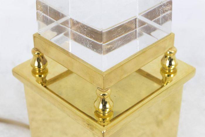 lampe obélisque lucite laiton doré