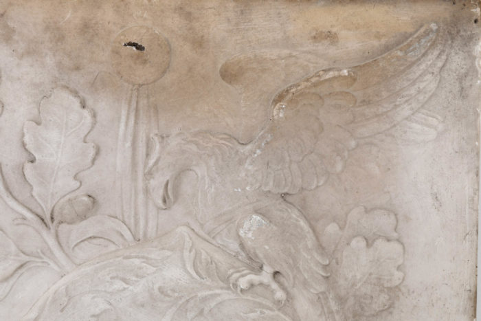 lucchesi platre bas relief detail aigle