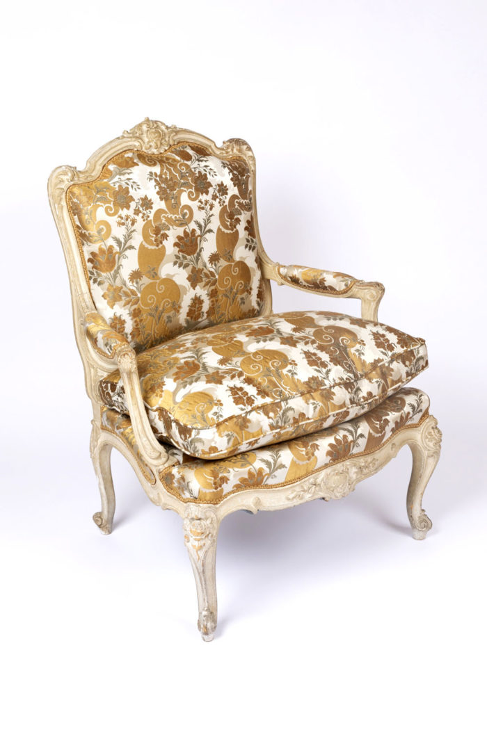 fauteuil tilliard louis xv garniture rubelli lateral