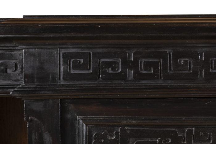 meuble d'appui laqué noir frise grecques