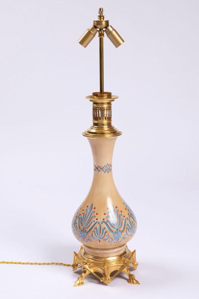pied lampes en opaline style néogothique