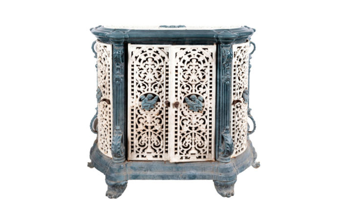 dresser stove enamelled melt main blue and white
