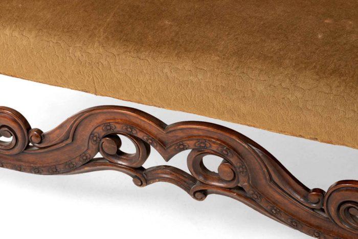 canapé style anglais entretoise bois sculpté