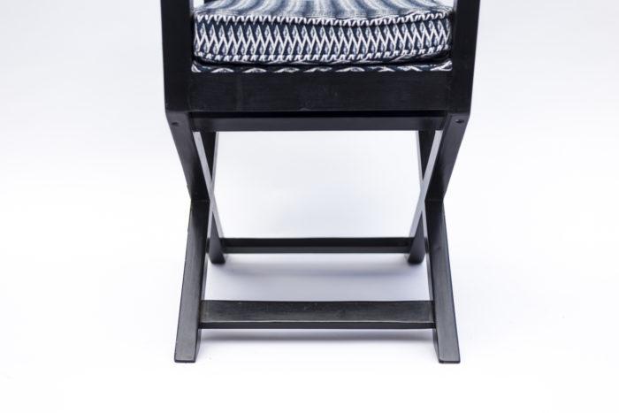 fauteuil ployant laqué noir côté piètement