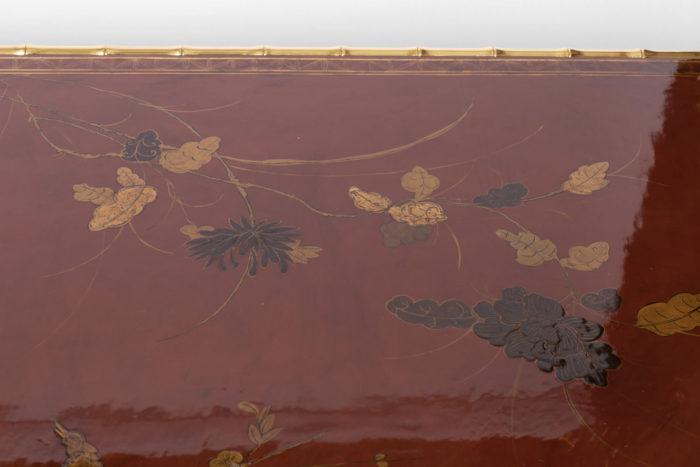 grande table basse laque rouge fleurs