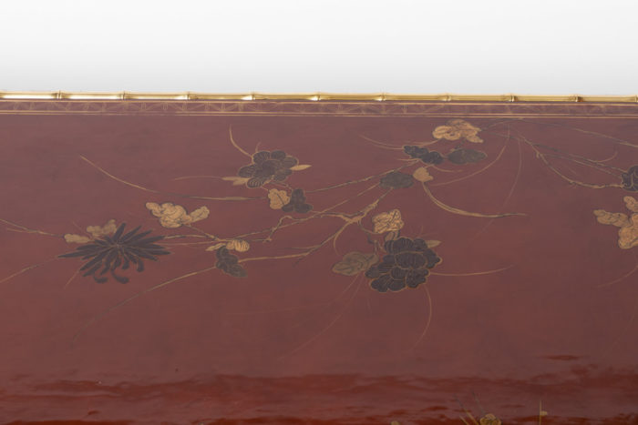grande table basse laque rouge fleurs branches