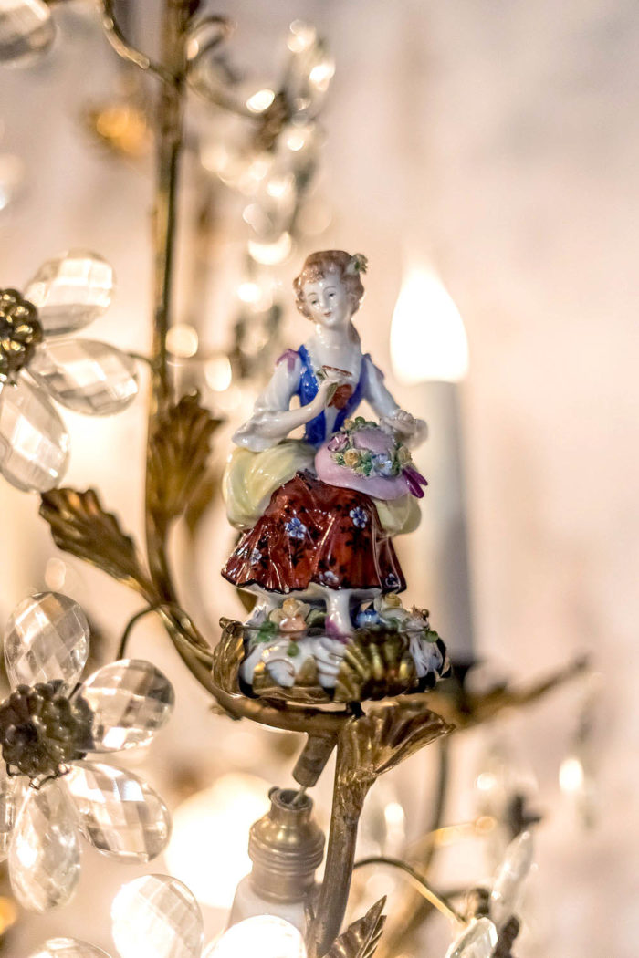 capodimonte porcelain chandelier young lady