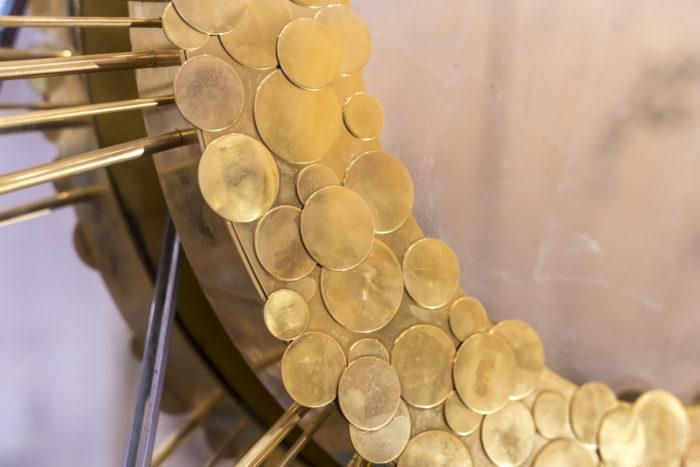 miroir soleil laiton doré détail cadre pastille