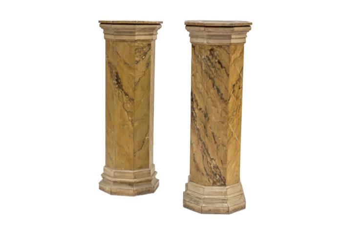 paire colonnes faux marbre jaune