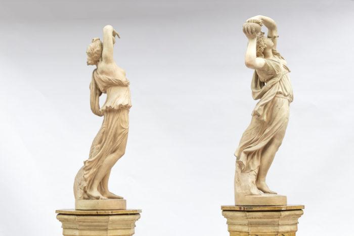 paire sculptures céramique nymphes côté