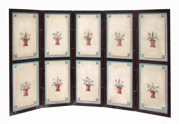 directoire screen garden antique style back tulips flowers