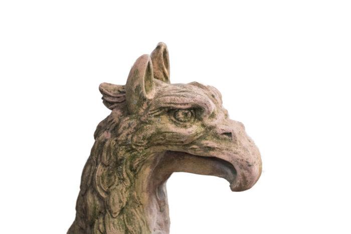 sculpture griffon pierre terre cuite aigle