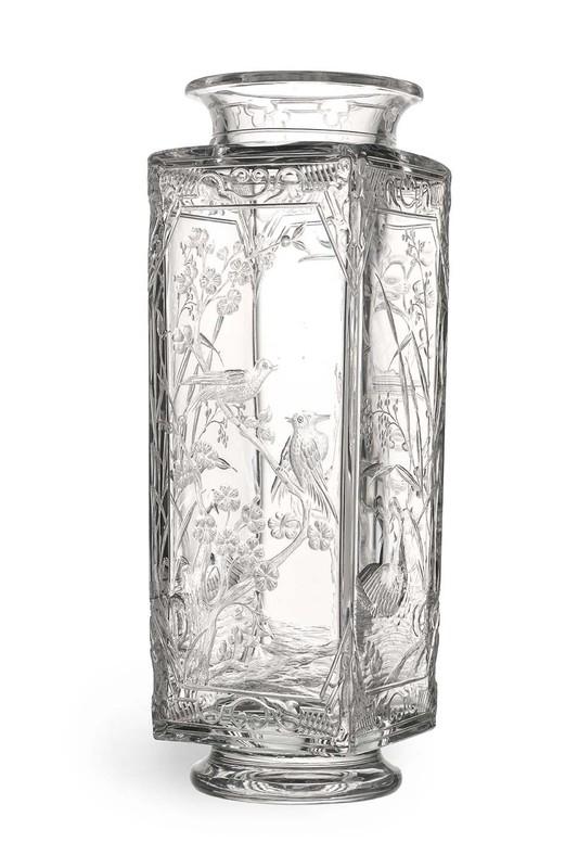 bacarat vase cristal decor gravé vers 1870