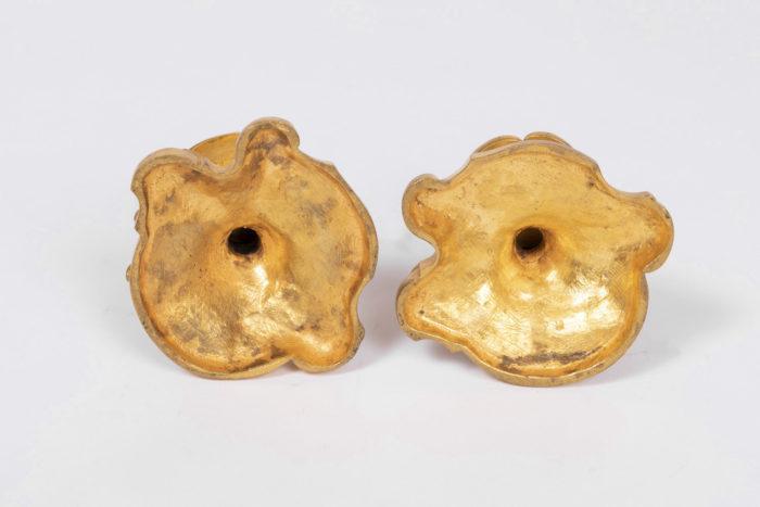 bougeoirs style rocaille bronze doré dessous