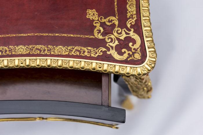 bureau plat louis xv angle plateau cuir rouge or