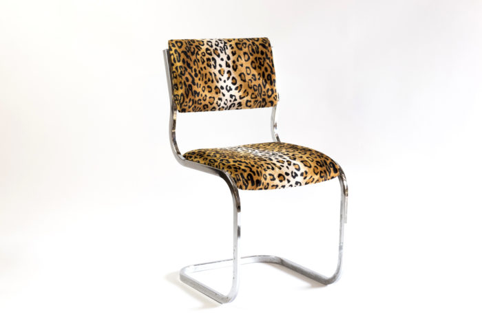 chaise cantilever métal tissu guépard 3:4