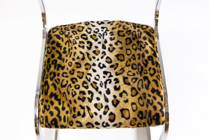 chaise métal tissu guépard assise