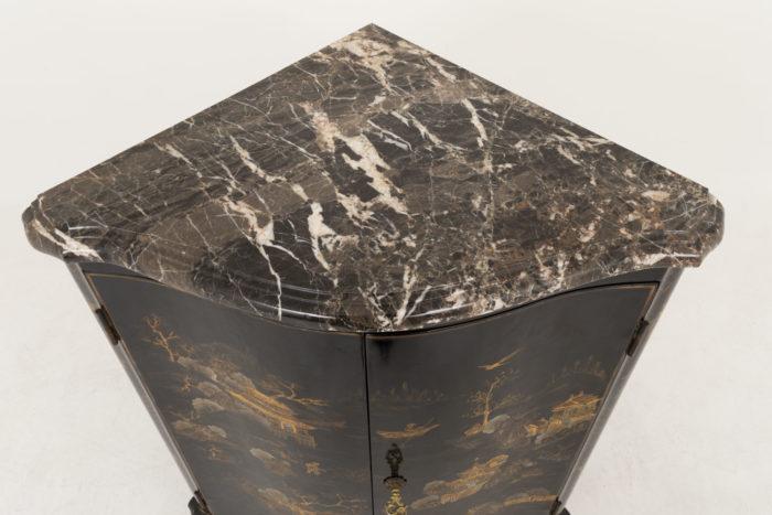 encoignure style louis xv marbre