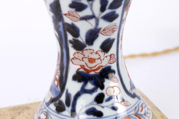 lampe imari détail fleur et feuillages